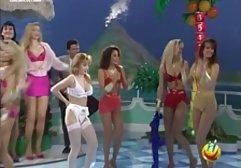 Beauty Tranny Vivian fingert german street porn ihren großen Schwanz