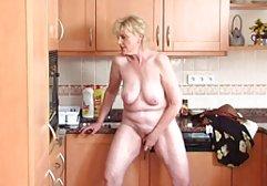 Die hd porn deutsch Schlampe bittet ihre Nachbarin, das Feuer in ihrer Muschi zu löschen