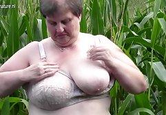 Lustvolle Lesben spielen mit ihren Fotzen und dirty talk deutsch xxx Zungen
