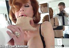 Brünette spielt free german porn mit Fingern mit Muschi und Arsch