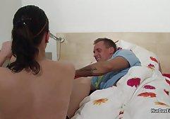 Der Typ hat german porn seinen Klassenkameraden in einem Schlafsaal gefickt