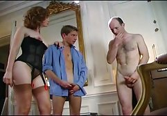 Die german pprn blonde Kira liebt es, in einen dicken Arsch zu ficken