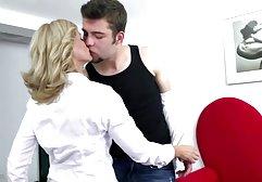 Die junge sexy Brünette porn in deutsch Sandra Luberc wird von einem reifen Liebhaber gefickt