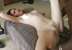 Die deutsch anal porn sexy Brünette Lucia Denvile wird von einer hübschen Trainerin gefickt